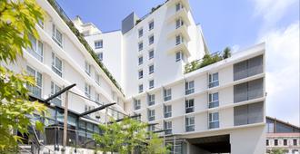 快捷假日马赛圣查尔斯酒店 - 马赛 - 建筑