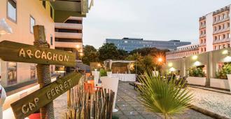 波尔多中心玛丽亚德克宜必思酒店 - 波尔多 - 户外景观