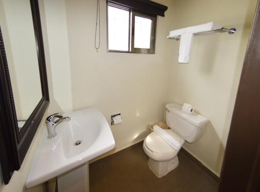 坎昆新浪套房酒店 - 坎昆 - 浴室