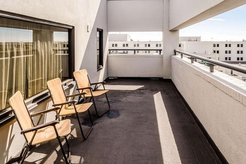 查尔斯顿康福特茵酒店 - 查尔斯顿 - 阳台