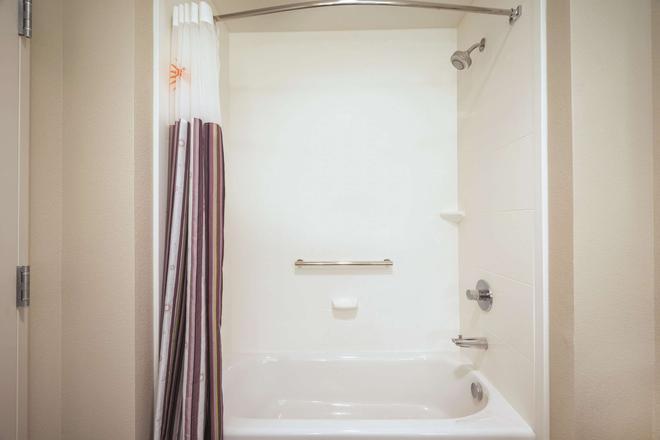 丹佛威斯敏斯特温德姆拉昆塔酒店 - 威斯敏斯特 - 浴室