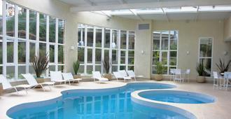 埃什特雷拉山酒店 - 坎波斯杜若尔当 - 游泳池