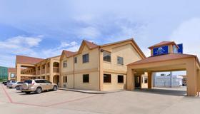 休斯顿布鲁克nw美洲最佳价值套房酒店 - 休斯顿 - 建筑