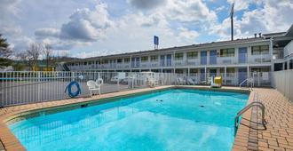 田纳西查塔努加 6 号汽车旅馆 - 查塔努加 - 游泳池