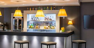 卡昂中心宜必思酒店 - 凯恩 - 酒吧