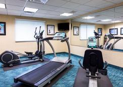匡蒂科郊区长住酒店 - 斯坦福 - 健身房