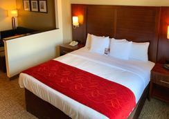 德克萨斯大道舒适套房酒店 - 大学城 - 睡房