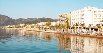 海滨酒店 - 仅供 16 岁以上成人入住 - 马尔马里斯 - 户外景观