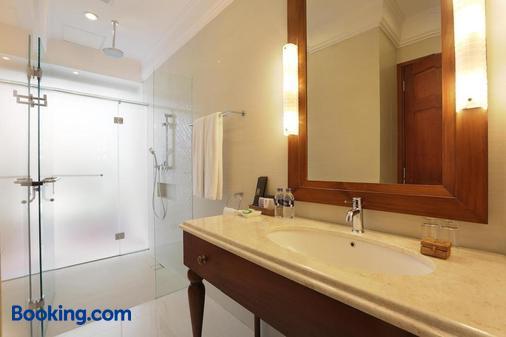 塞米亚克潟湖全套房酒店 - 库塔 - 浴室
