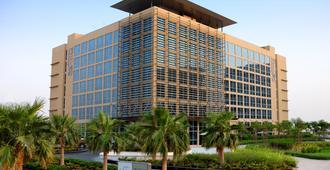 亚斯岛中心酒店 - 阿布扎比 - 建筑