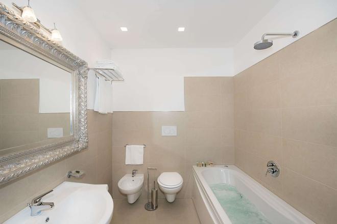 加布里萨别墅酒店 - 波西塔诺 - 浴室