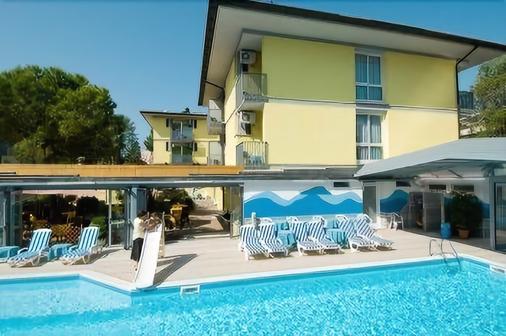 艾披尼酒店 - 格拉多 - 游泳池