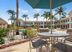 盖特威贝斯特韦斯特酒店 - 佛罗里达城 - 露台