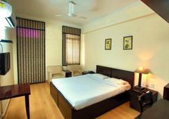 Ymca观光客旅馆 - 新德里 - 睡房