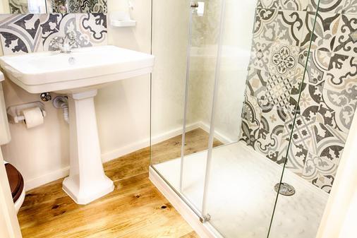阿莱格里亚酒店 - 里斯本 - 浴室