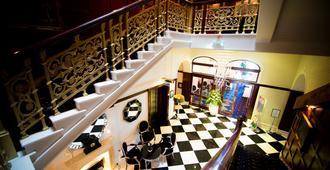 新码头大西洋酒店 - 纽基 - 楼梯