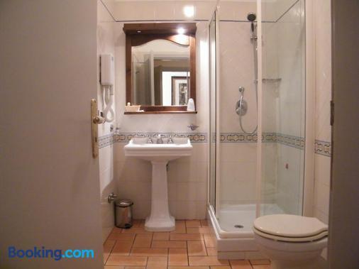 戴尔梅拉维格力别墅酒店 - 马拉泰亚 - 浴室