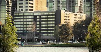 墨尔本艾尔伯特公园美居酒店 - 墨尔本 - 建筑