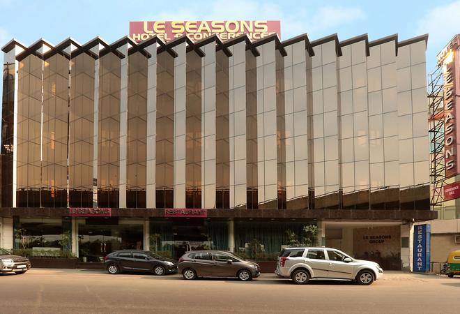 新德里四季机场酒店 - 新德里 - 建筑