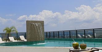 马瑙斯城际酒店 - 马瑙斯 - 游泳池