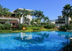 茂物阿斯顿度假酒店 - 茂物 - 游泳池