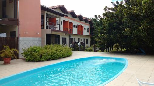 昂达斯多罗莎旅馆 - Praia do Rosa - 游泳池
