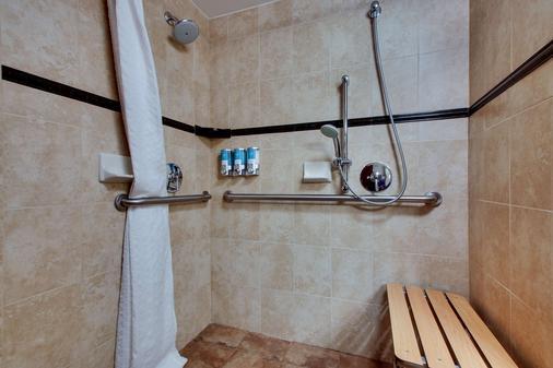 威奇托博文德鲁广场酒店 - 威奇托 - 浴室