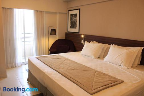 蓝树塔包鲁酒店 - 巴烏魯 - 睡房