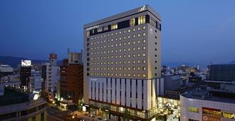 松山大街道光芒酒店 - 松山