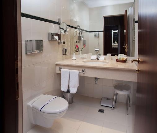 奥塔达酒店 - 敖德萨 - 浴室
