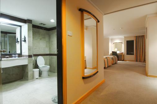 彩虹云霄酒店 - 曼谷 - 浴室