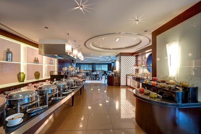 迪拜瑞汉金玫瑰罗塔纳酒店 - 迪拜 - 自助餐