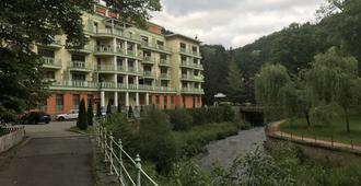斯鲁奈斯拉兹内酒店 - 卡罗维发利