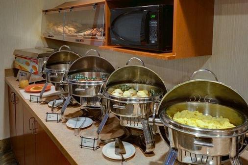 卡尔加里优质服务套房酒店 - 卡尔加里 - 餐馆