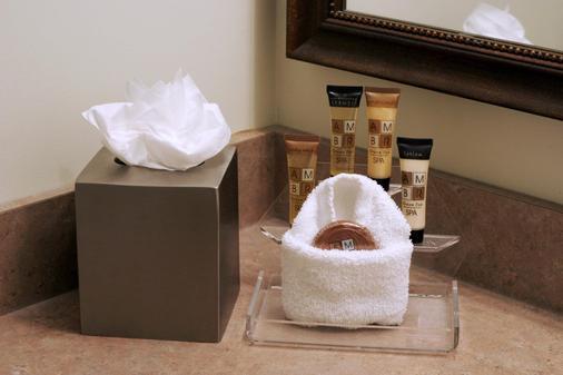 卡尔加里优质服务套房酒店 - 卡尔加里 - 浴室