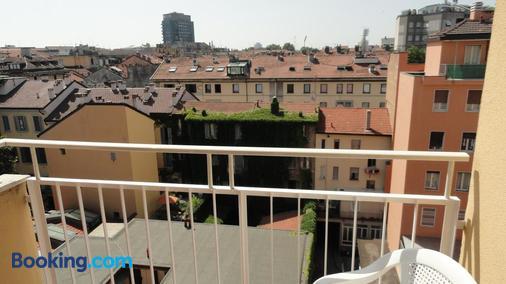 朱斯蒂6住宅酒店 - 米兰 - 阳台