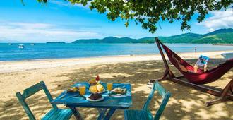 格扣旅馆加菩萨达帕拉提 - 帕拉蒂 - 海滩