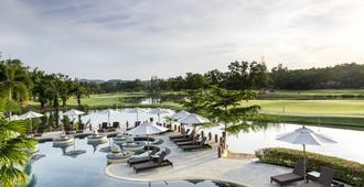 普吉岛拉古娜假日俱乐部度假村 - Choeng Thale - 游泳池