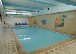 最佳西方布里斯托酒店 - 纽基 - 游泳池