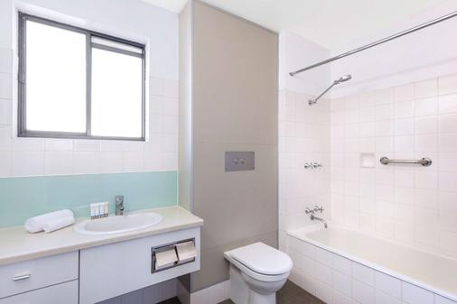 朗塞斯顿贝斯特韦斯特plus酒店 - 伦瑟斯顿 - 浴室