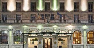 都柏林葛雷斯罕里乌广场酒店 - 都柏林 - 建筑