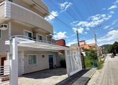 巴蒂斯塔旅居酒店 - Bombinhas - 建筑