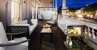 雅达菲酒店 - 萨拉托加斯普林斯 - 阳台
