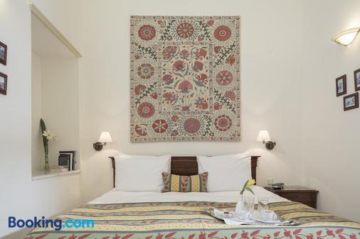 卡萨德尔斐诺温泉酒店 - 哈尼亚 - 睡房