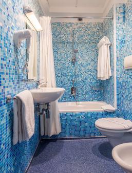 贝斯特韦斯特广场酒店那不勒斯 - 那不勒斯 - 浴室