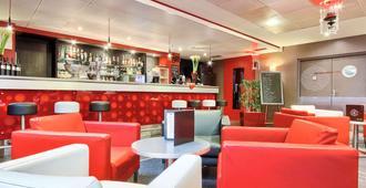 巴黎戴高乐机场宜必思尚品酒店 - 鲁瓦西昂法兰西 - 酒吧