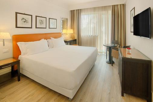 Nh卡塔尼亚阿拉贡公园酒店 - 卡塔尼亚 - 睡房