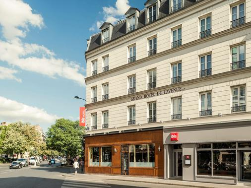 宜必思巴黎共和大道酒店 - 巴黎 - 建筑