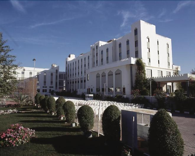 麦地那假日酒店 - 马斯喀特 - 建筑
