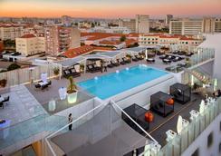 史诗萨那里斯本旅馆 - 里斯本 - 游泳池